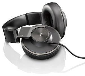 AKG-550 best closed back headphones