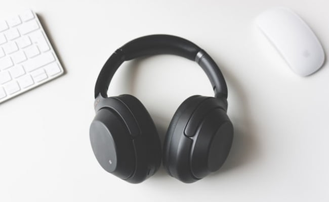 noise-cancelling-headphones